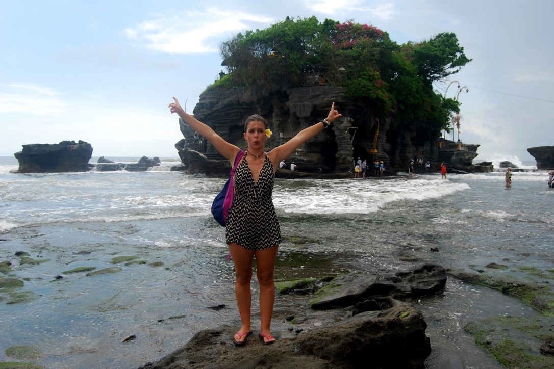 bali-indonesia-asia-travel-templo-tanah-lot