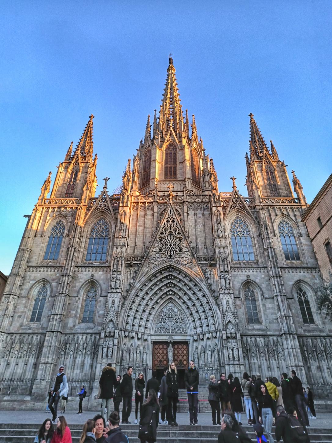 viajar-catedral-barcelona